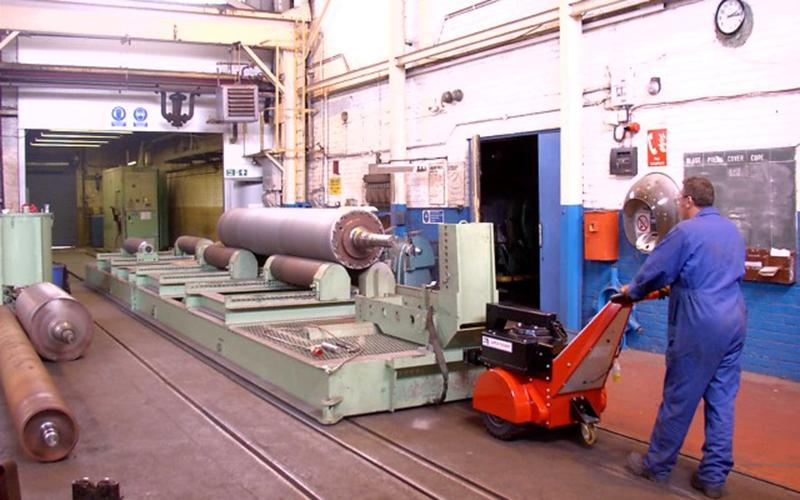Super Power Pusher movimiento 55,000Kg vehículo de transferencia sobre raíles en y fuera de la cámara de granallado